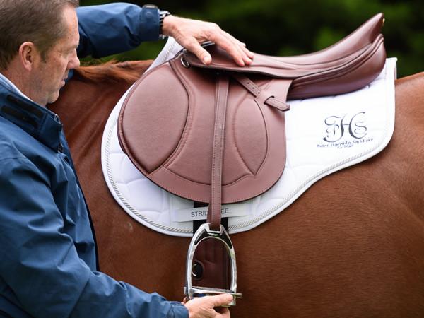 Melbourne Saddle